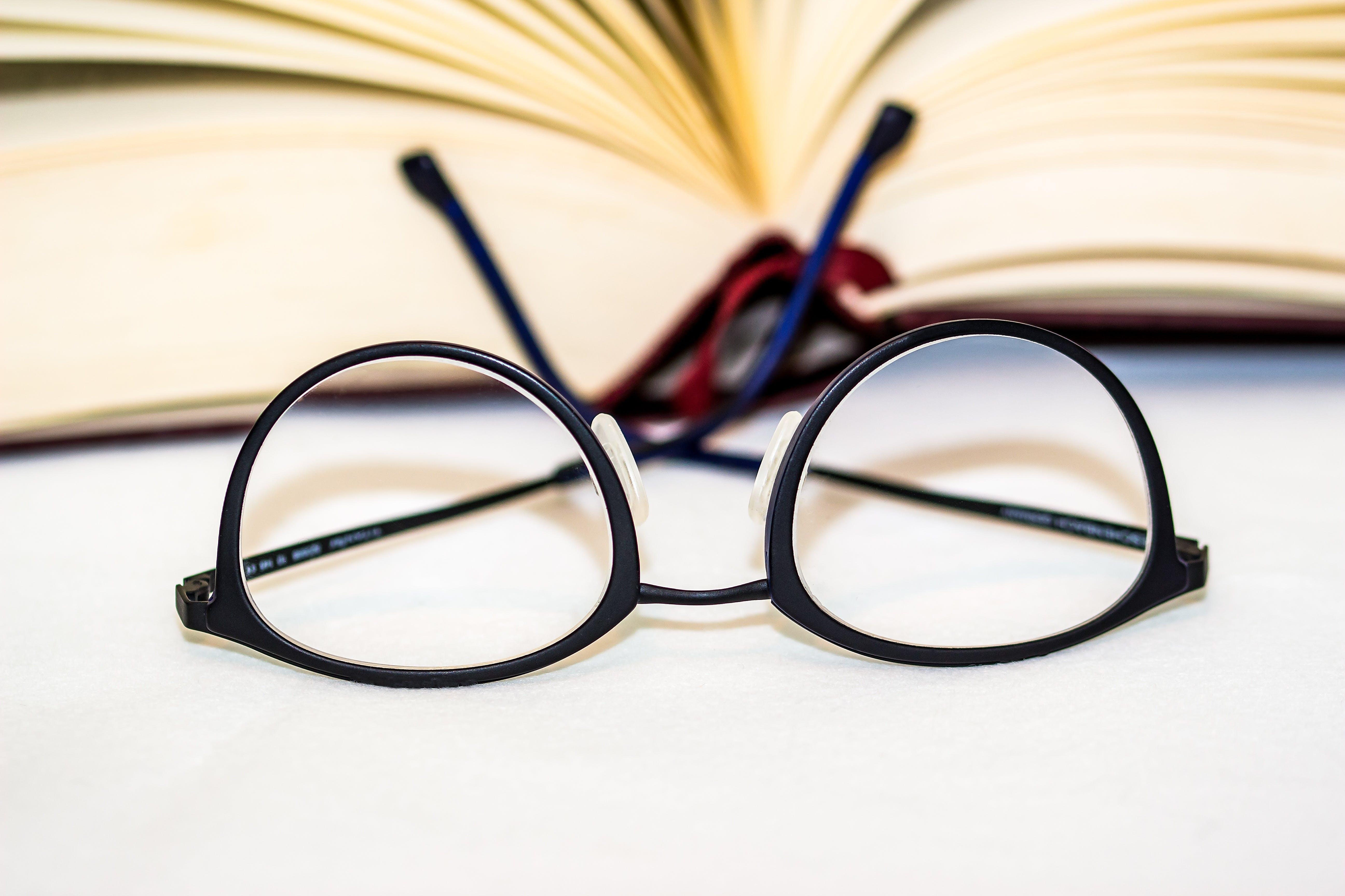 Ảnh lưu trữ miễn phí về bóng râm, cuốn tiểu thuyết, giáo dục, hiểu biết