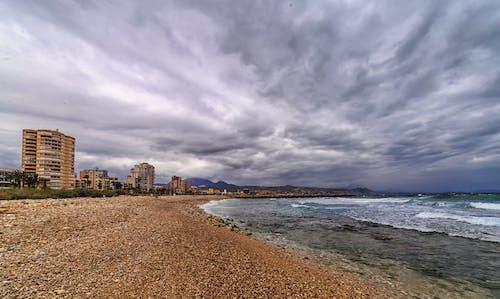Fotobanka sbezplatnými fotkami na tému búrlivý, pláž