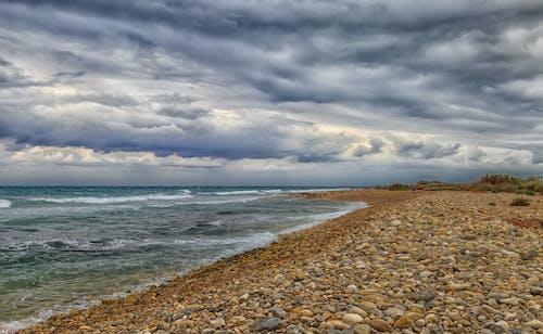 Fotobanka sbezplatnými fotkami na tému štrkovitá pláž