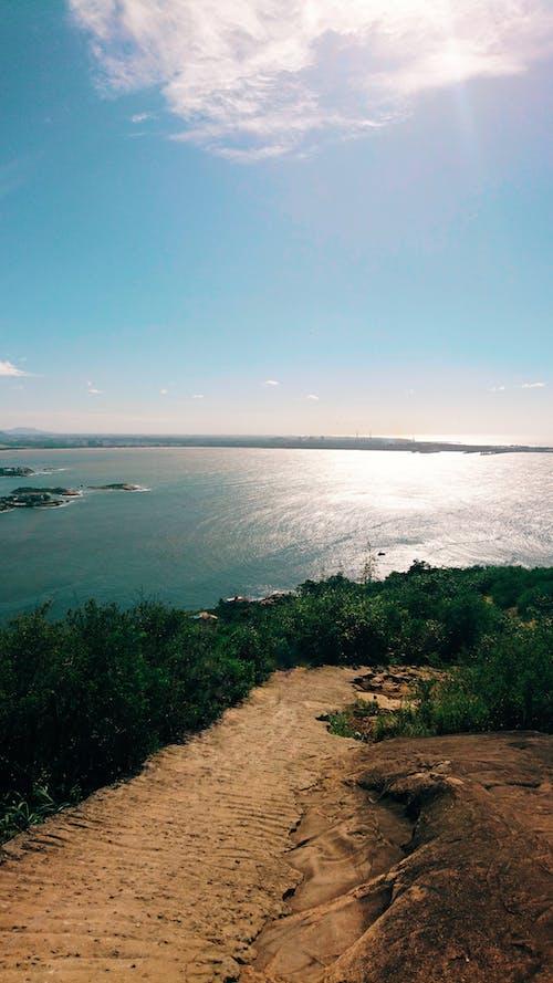 Δωρεάν στοκ φωτογραφιών με ακτή, αλμυρό νερό, άστρωτος δρόμος, γαλαζια θαλασσα