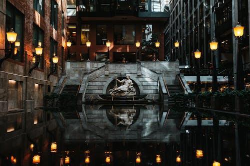 Kostenloses Stock Foto zu abend, architektur, bau, beleuchtet