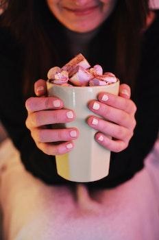 Kostenloses Stock Foto zu essen, frau, mädchen, süßigkeiten
