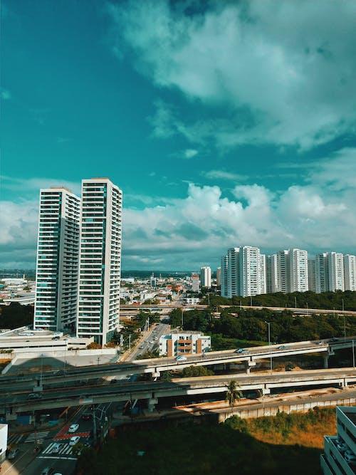 açık hava, bakış açısı, binalar, bulut görünümü içeren Ücretsiz stok fotoğraf