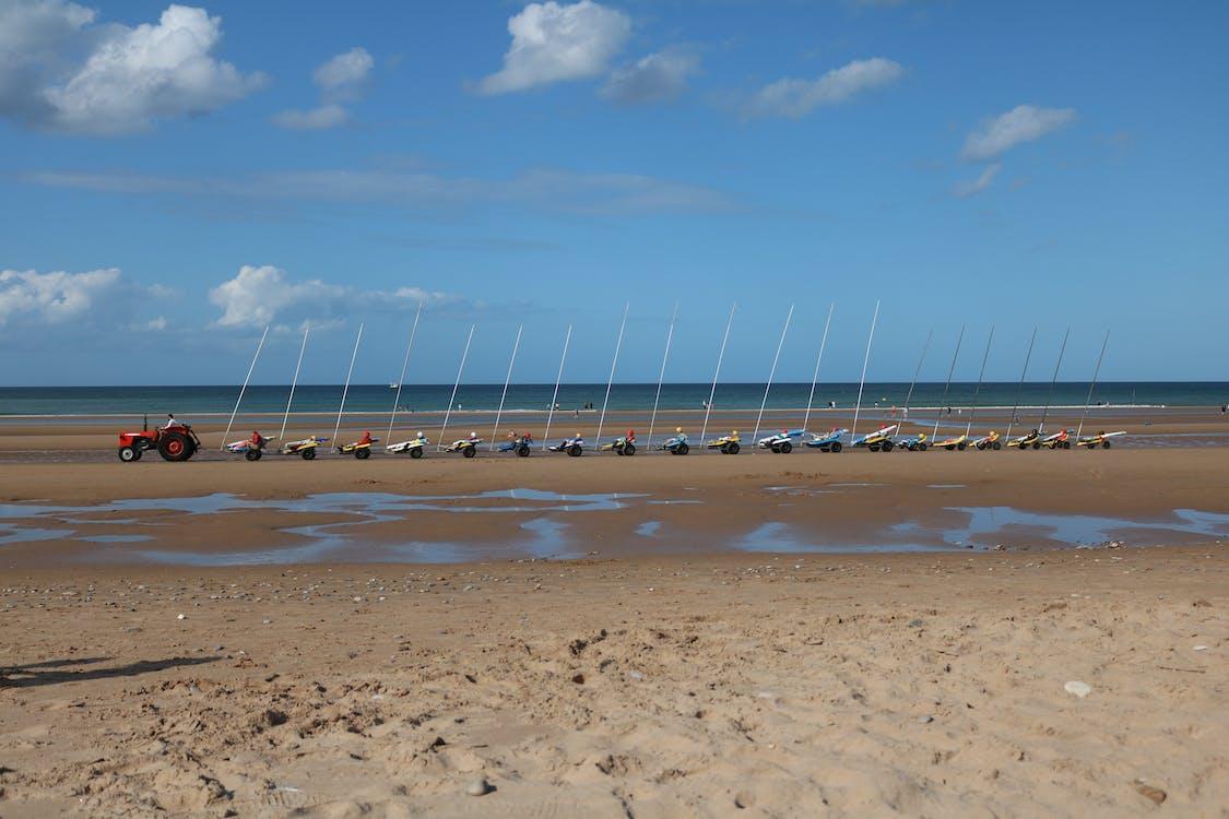 блакитне небо, море, пляж