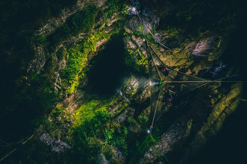 Photos gratuites de cailloux, camping, entrée de la grotte, environnement