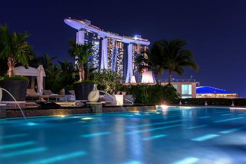 Ingyenes stockfotó éjszaka, építészet, épület, felhőkarcoló témában
