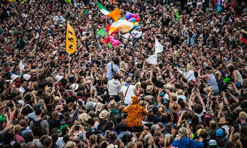 Безкоштовне стокове фото на тему «Аудиторія, вечірка, гурт, жива музика»