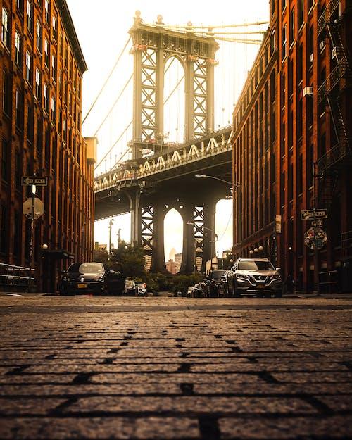Fotobanka sbezplatnými fotkami na tému architektúra, autá, Brooklyn, Brooklyn Bridge