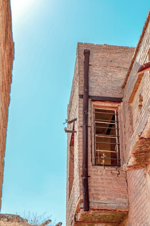 Foto d'estoc gratuïta de edifici antic, نافذة قديمة