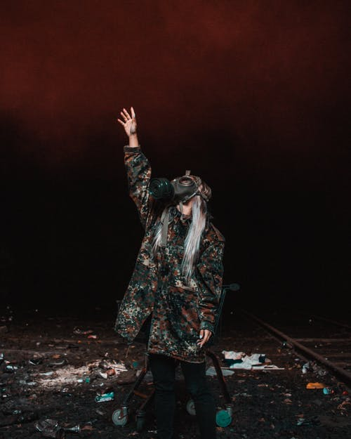 Foto d'estoc gratuïta de apocalipsi, fum de color, màscara de gas, Ucraïna