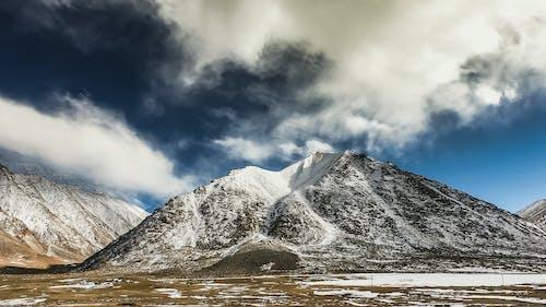 Fotobanka sbezplatnými fotkami na tému GoPro, hora, India, modré hory