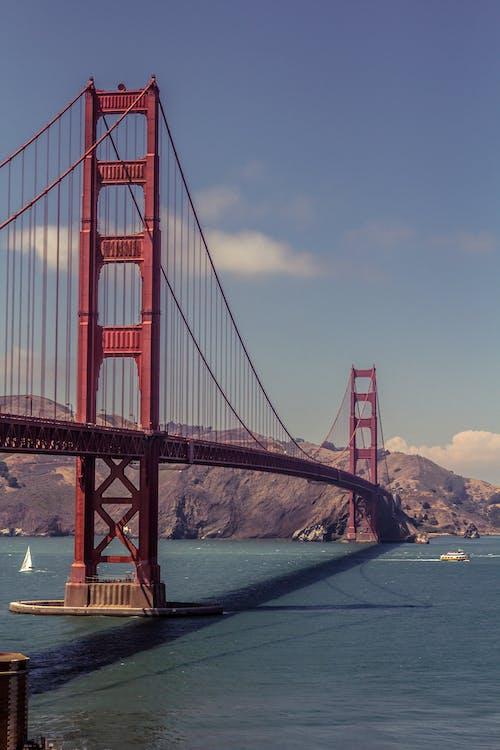 Ingyenes stockfotó Egyesült Államok, építészet, folyó, függőhíd témában