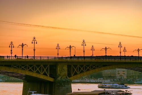 Photos gratuites de architecture, aube, bateau, Budapest