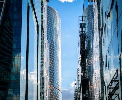 Gratis stockfoto met architectueel design, architectuur, buitenkant van het gebouw, flat