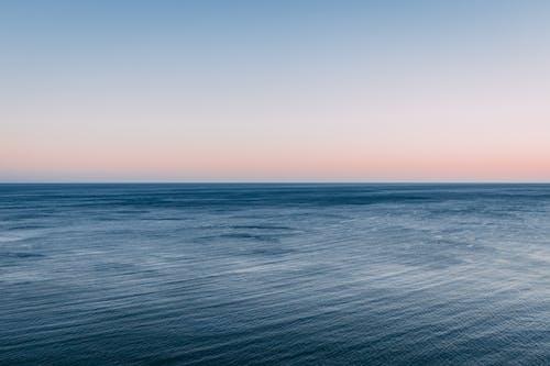 açık hava, akşam karanlığı, dalgalar, deniz içeren Ücretsiz stok fotoğraf