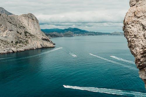 Kostnadsfri bild av båt, berg, hav, havsområde