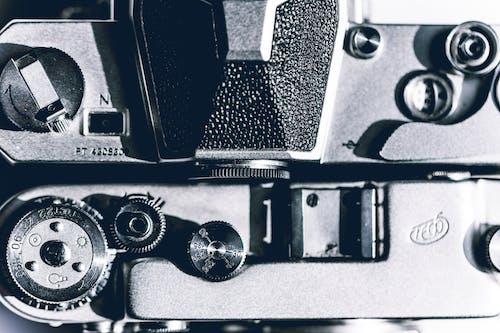 Δωρεάν στοκ φωτογραφιών με vintage, vintage φωτογραφική μηχανή, ασπρόμαυρο, ατσάλι