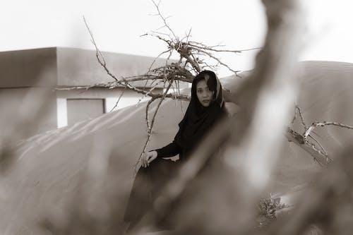 Безкоштовне стокове фото на тему «Абая, арабська леді, дрейф деревини, місто-привид»