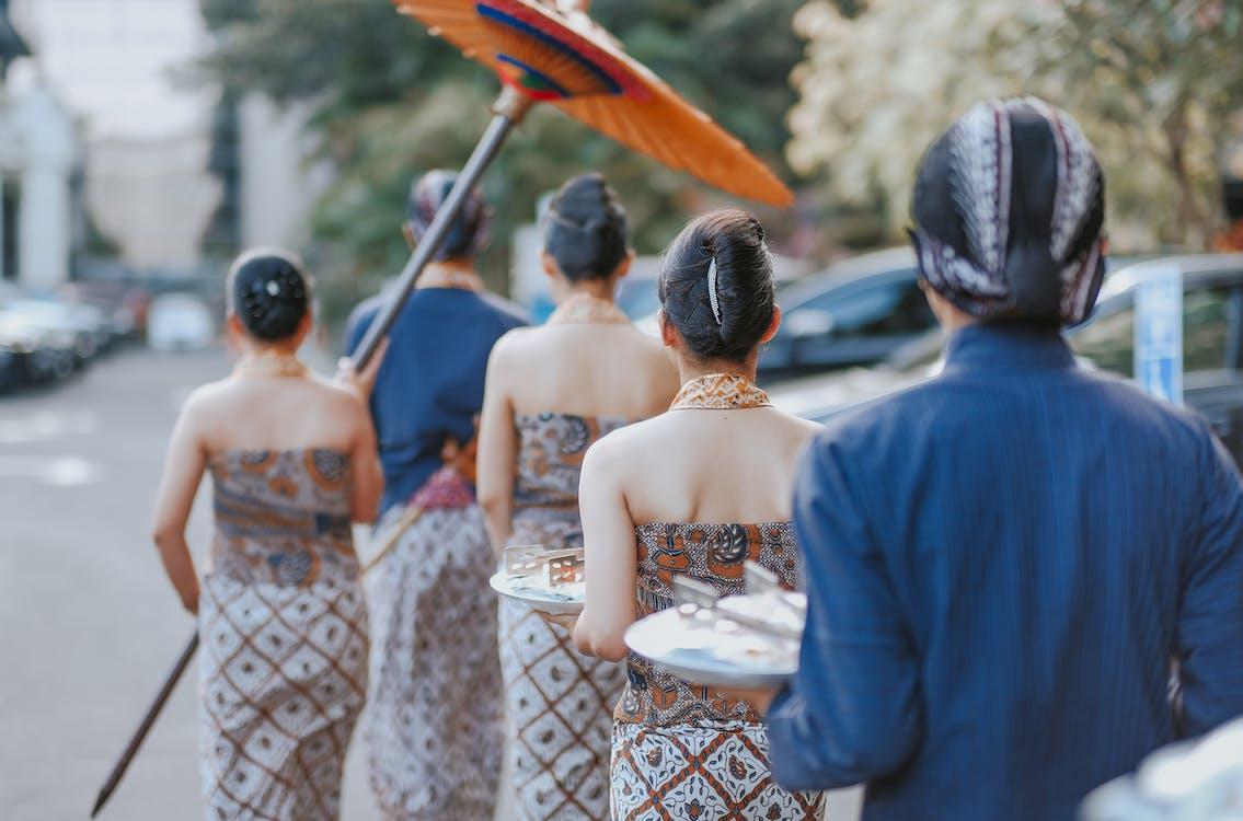 Ázijčania, ceremónia, cesta