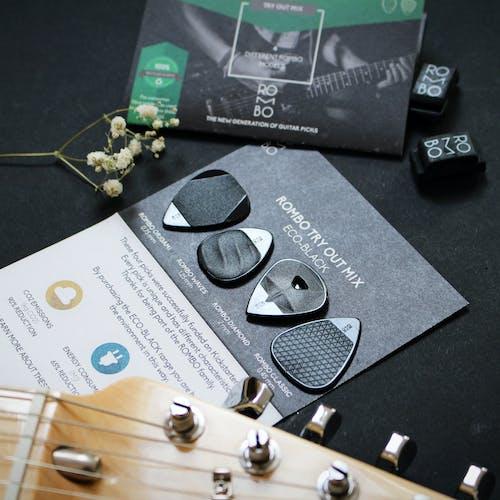 Δωρεάν στοκ φωτογραφιών με e-κιθάρα, ακουστική κιθάρα, αξεσουάρ κιθάρας, γκρο πλαν