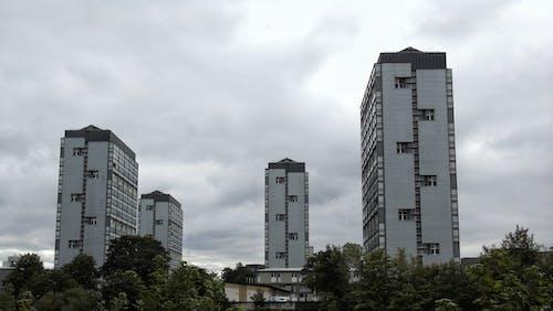 Foto profissional grátis de construção, edifícios, exterior do edifício, prédio de apartamentos