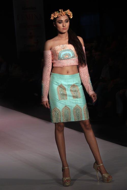 #models, asijský model, Canon