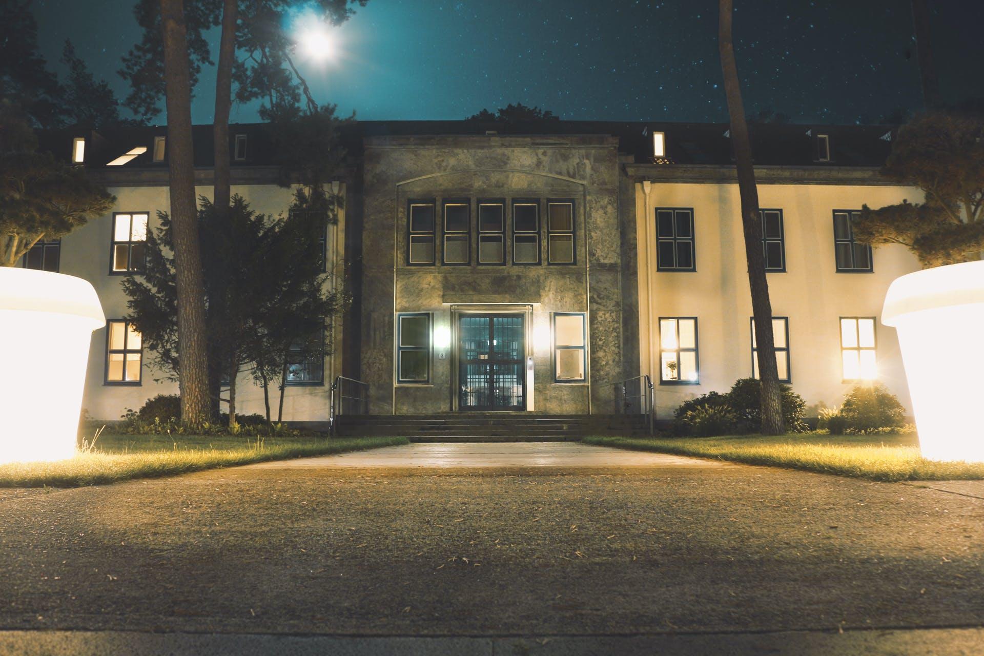 Free stock photo of building, architecture, windows, pavement