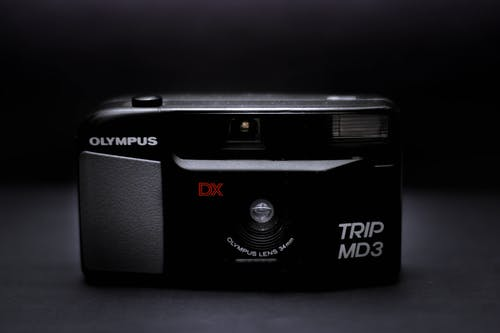 Безкоштовне стокове фото на тему «камера, об'єктив, Олімп, Темний»