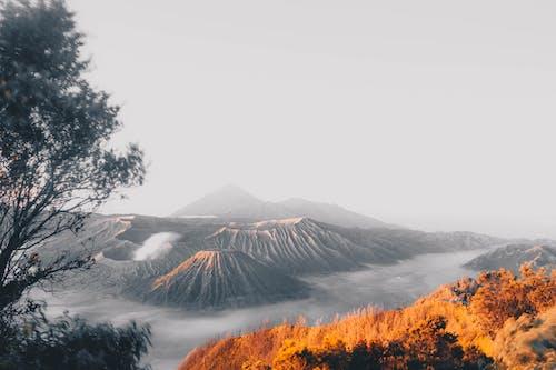 Безкоштовне стокове фото на тему «Вулкан, гори, імла, Індонезія»