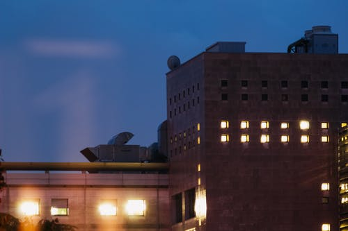 Δωρεάν στοκ φωτογραφιών με città, luci, notte, palazzo