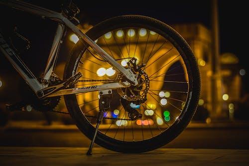 Ảnh lưu trữ miễn phí về Bo mạch, đêm, đường phố, làn xe đạp