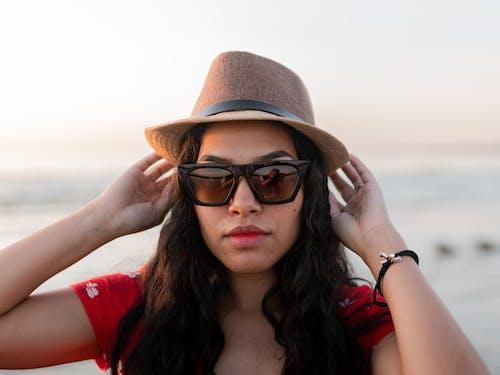 Gratis arkivbilde med dagslys, ferie, glamour, hatt