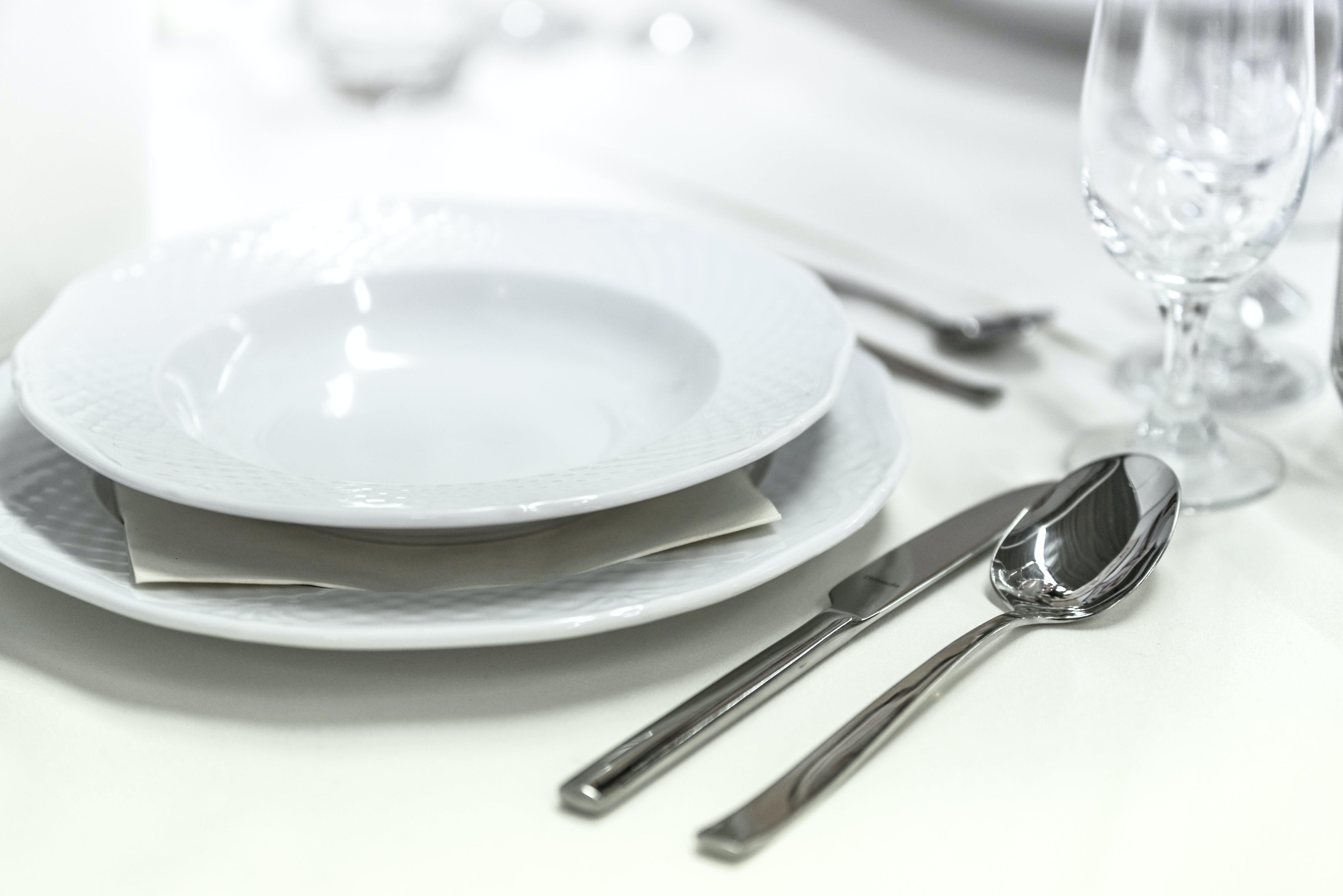 Gratis stockfoto met arrangement, bestek, borden, charmant
