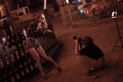 Kostenloses Stock Foto zu foto, fotograf, frauen, freizeitpark
