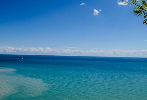 Бесплатное стоковое фото с голубая вода, голубое небо, канада, красивое небо