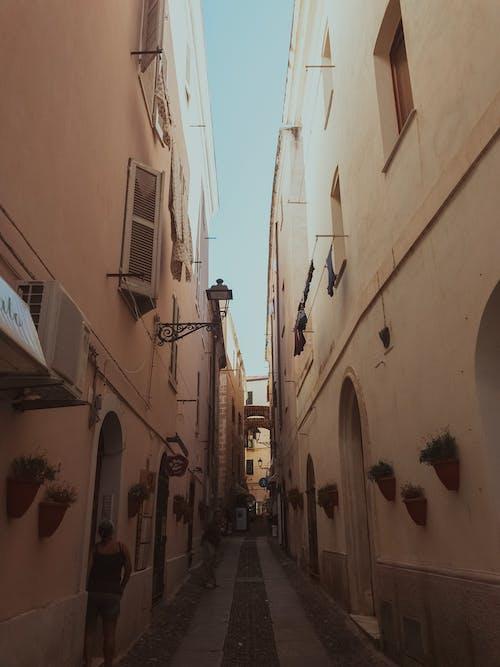Бесплатное стоковое фото с sardegna, Аллея, архитектура, булыжник