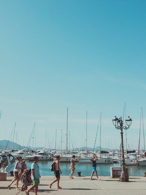 Ingyenes stockfotó csónakok, dokk, ég, emberek témában