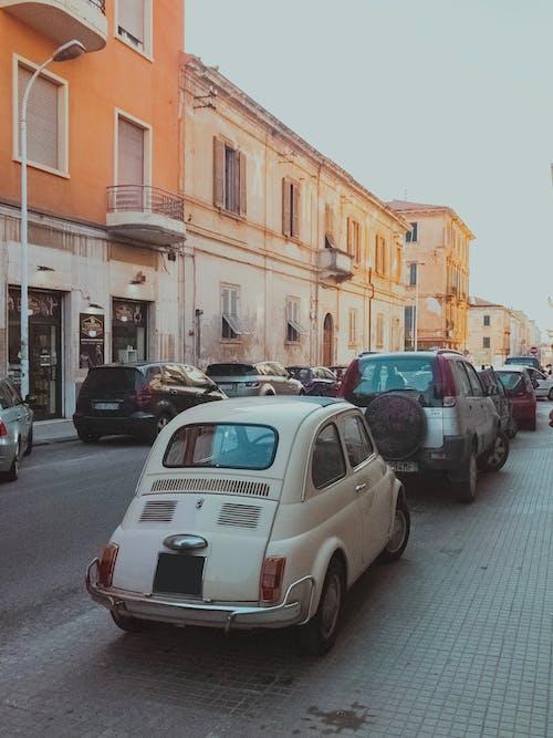 Бесплатное стоковое фото с автомобили, архитектура, вид, город
