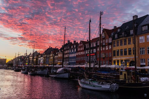 Foto profissional grátis de avermelhado, cidade, Copenhague, nyhavn