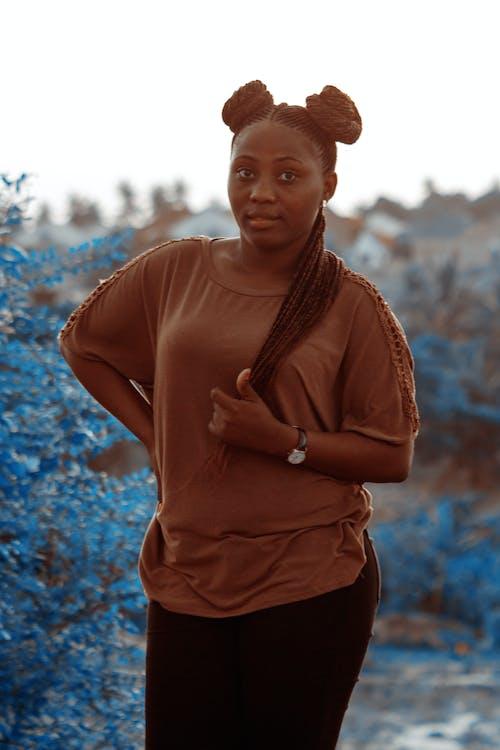 Fotobanka sbezplatnými fotkami na tému africké dievča, afro vlasy