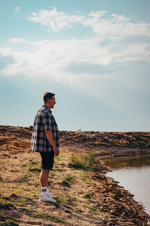 Бесплатное стоковое фото с верхняя одежда, вид, вид сбоку, вода