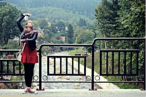 Безкоштовне стокове фото на тему «Дівчина, жінка, Природа, танець»