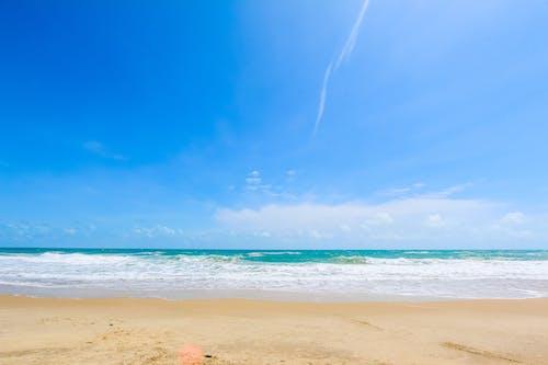 Immagine gratuita di acqua dell'oceano, cielo, cielo azzurro, cielo nuvoloso