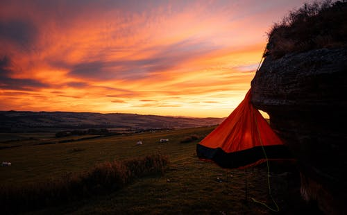 Kostenloses Stock Foto zu campen, camping, dämmerung, draußen
