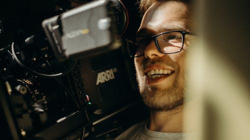 Základová fotografie zdarma na téma automobilové závody, brýle, dioptrické brýle, dospělý