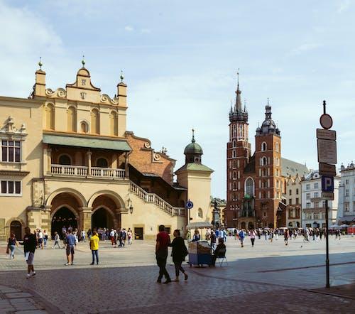 Foto d'estoc gratuïta de atracció turística, ciutat, Església, església blanca
