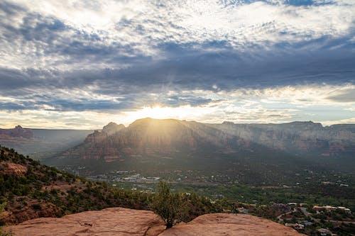 Fotobanka sbezplatnými fotkami na tému Arizona, bez ľudí, hory, lúče