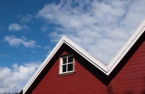 açık, ahşap, beyaz, bina içeren Ücretsiz stok fotoğraf