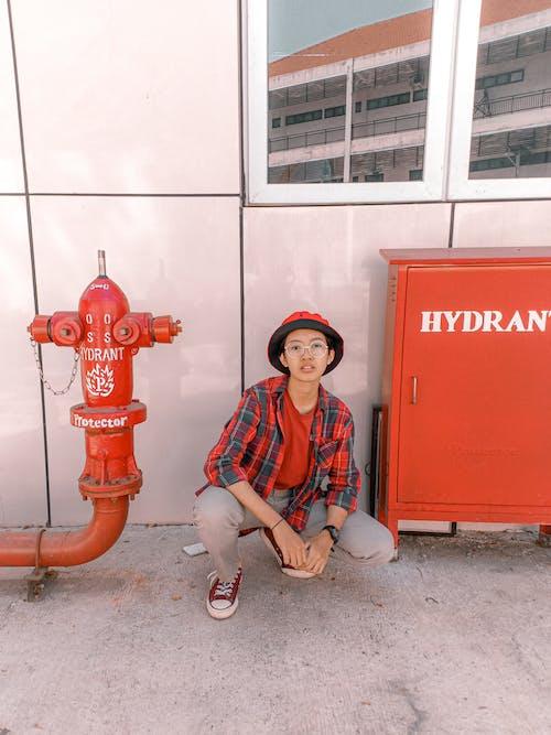 Fotos de stock gratuitas de al aire libre, atuendo, boca de incendio, diseñar