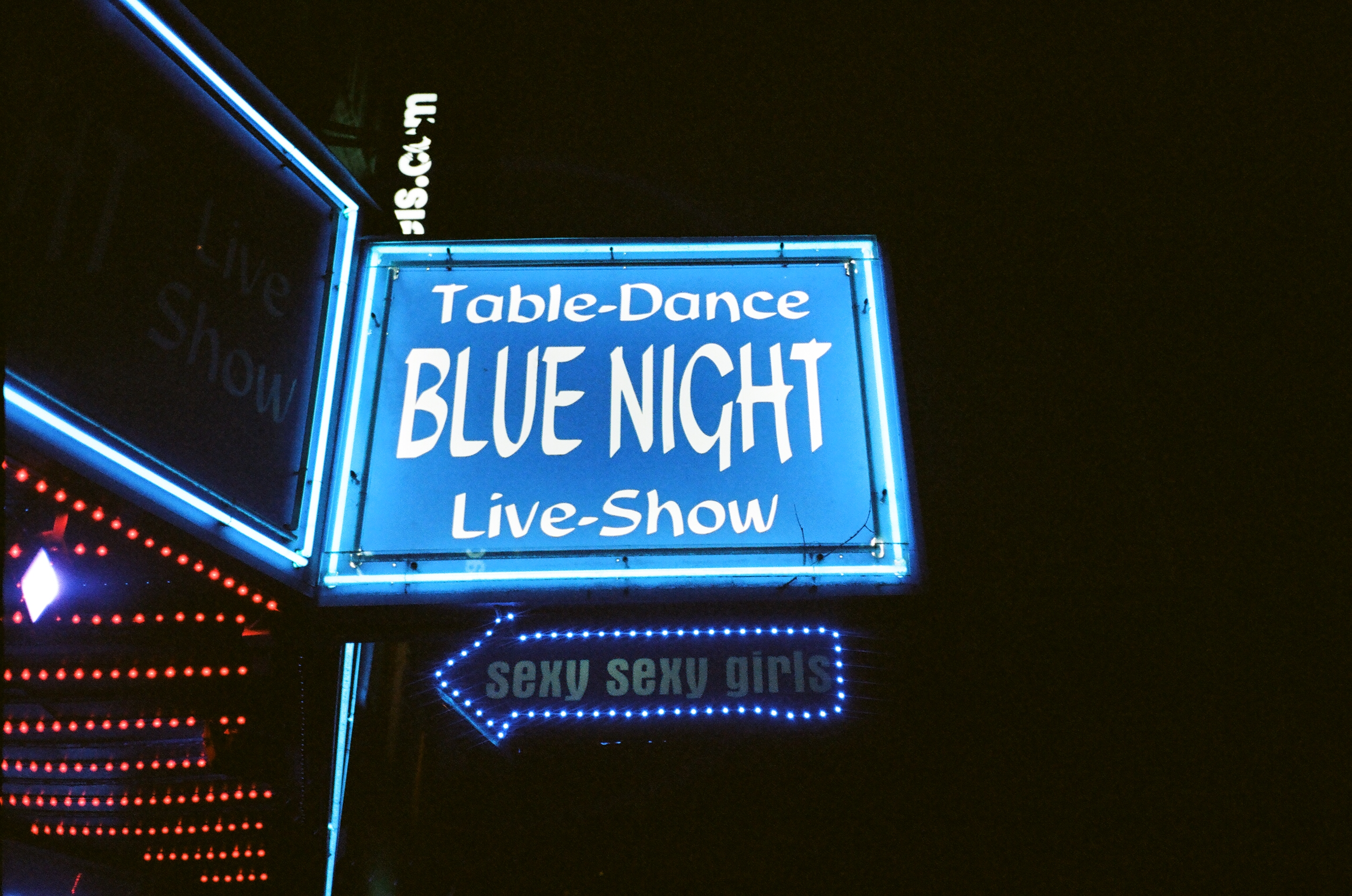 Table-Dance Blue Night Signage